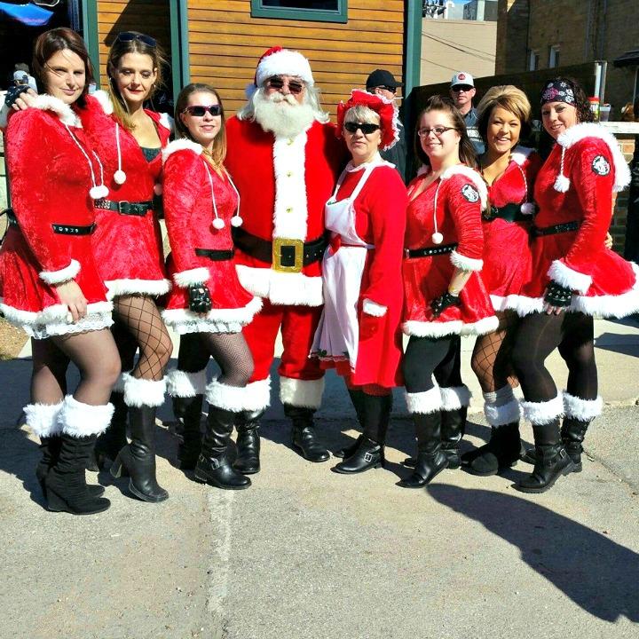 santa-girls-1